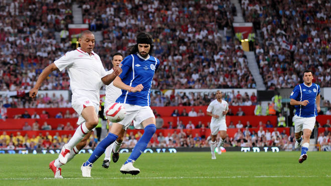 Des Walker and Sergio Pizzorno play at Soccer Aid, May 2012