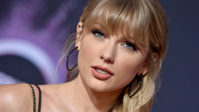 Taylor Swift at the 2019 American Music Awards - Arrivals