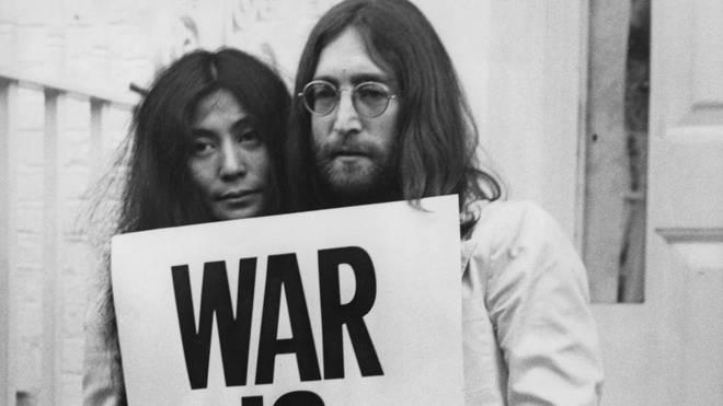 John and Yoko - Happy Xmas (War Is Over)