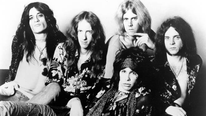 Aerosmith: Joe Perry, Brad Whitford, Steven Tyler (front), Tom Hamilton (back), Joey Kramer in 1974