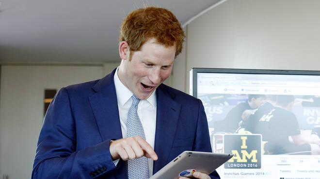 Prince Harry sends first tweet in 2014