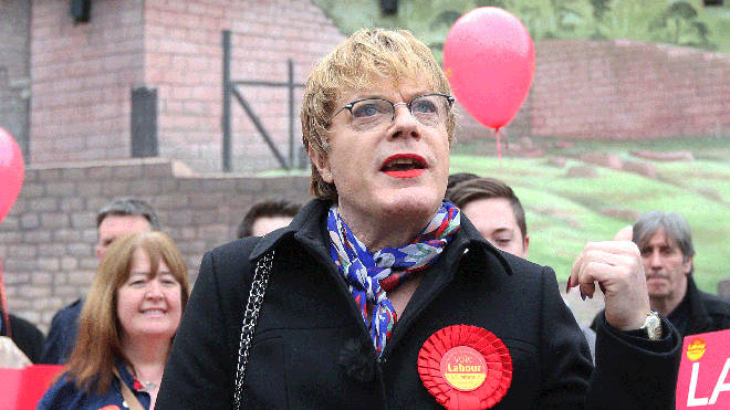 Eddie Izzard reveals plans to stand as Labour MP