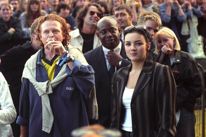 Mick Hucknall and Martine McCutcheon at Knebworth, 10 August 1996