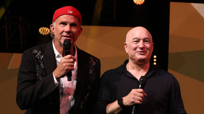 Peter Mensch with the Chili Peppers' Chad Smith at an awards ceremony in London, 2018