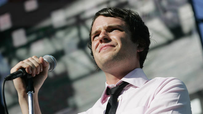 "Brandon Flowers imagines a life as a rock star instead of working the casinos at the KROQ ""Weenie Roast"" Concert 2004"