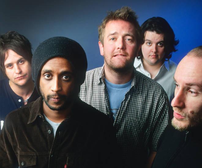 Elbow in 2001:  Mark Potter, Pete Turner, Guy Garvey, Crag Potter, Richard Jupp