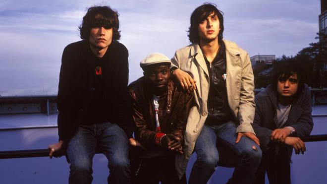 Photo of The Libertines members John Hassall, Gary Powell, Carl Barat and Pete Doherty in 2002