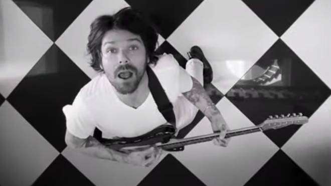 Simon Neil in Biffy Clyro's Tiny Indoor Fireworks single