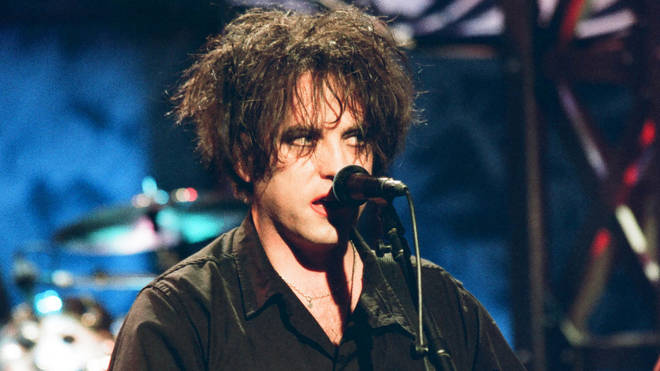 Robert Smith of The Cure performing on Tonight with Jay Leno, 29 October 1997