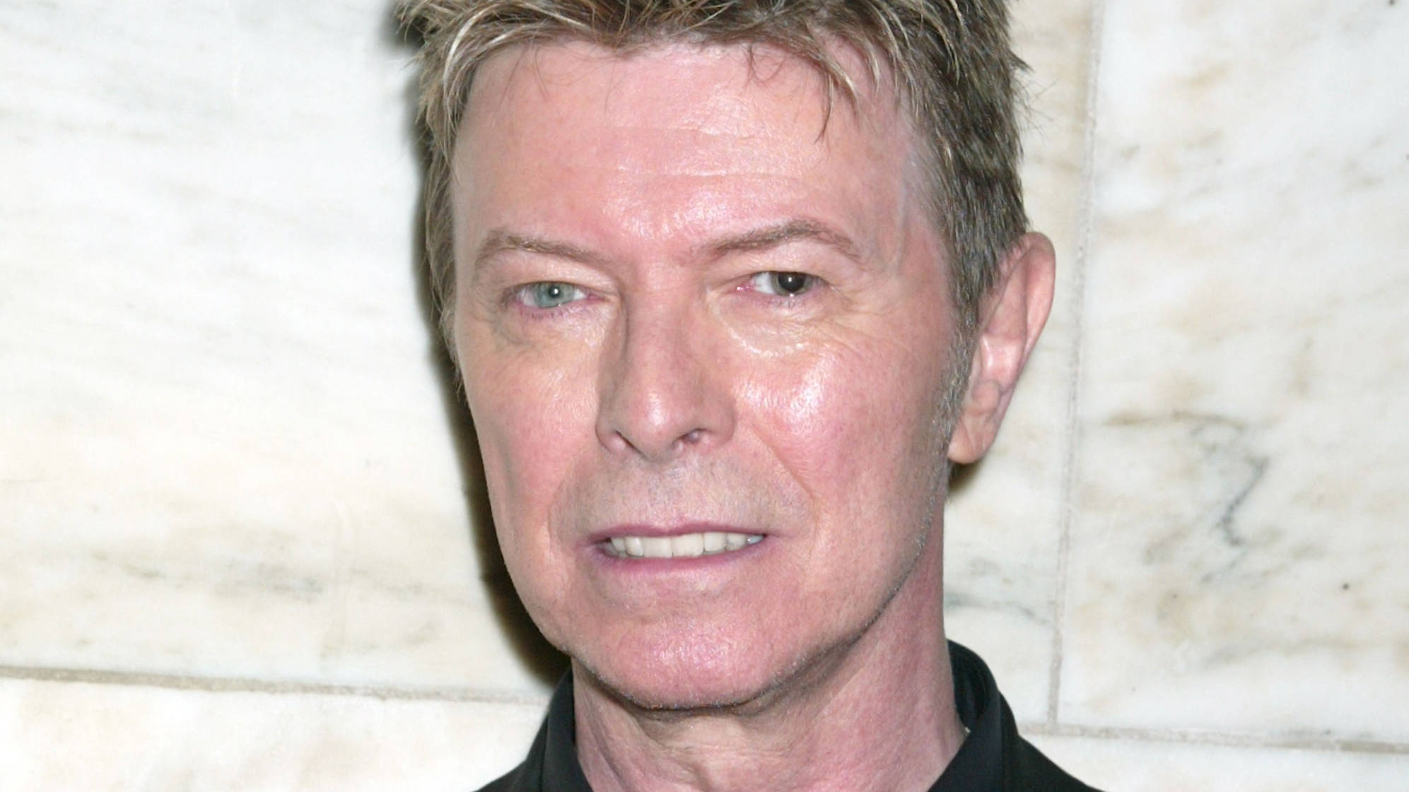 David Bowie S 19 Year Old Daughter Lexi Sells Her Artwork Online Radio X