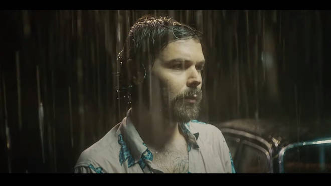 Simon Neil in Biffy Clyro's Space video