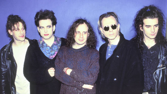 The Cure in 1992 - Perry Bamonte, Robert Smith, Porl Thompson, Boris Williams and Simon Gallup