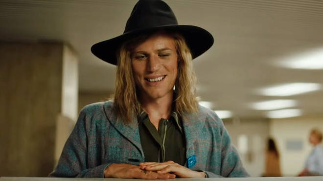 Johnny Flynn as David Bowie in the film Stardust