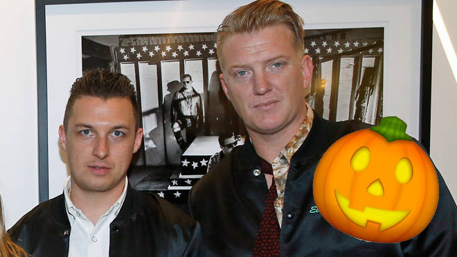Matt Helders and Josh Homme in 2016
