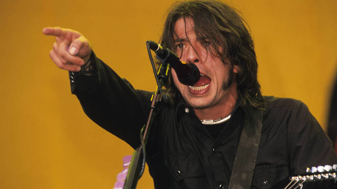Foo Fighters' Dave Grohl in 2000