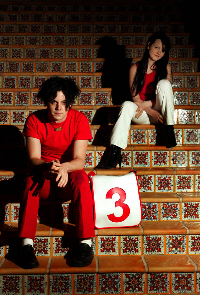 Jack and Meg White of the White Stripes at the Roosevelt Hotel in Hollywood, June 2002
