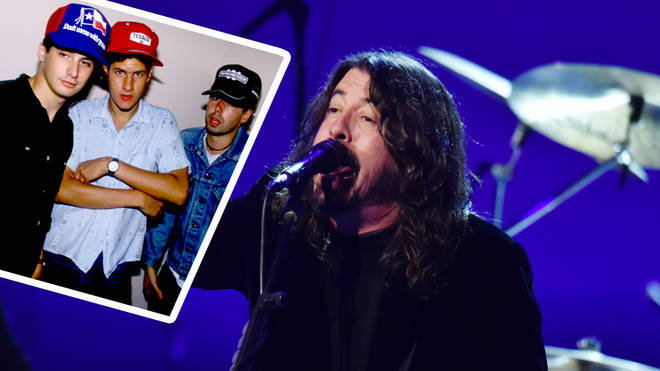 Dave Grohl covers The Beastie Boys Sabotage with Greg Kurstin for his special Hanukkah song series