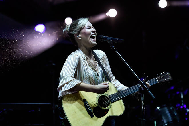 Dido performing in Paris in 2019