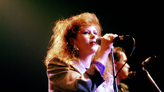 Kirsty MacColl Performing With The Pogues in 1988