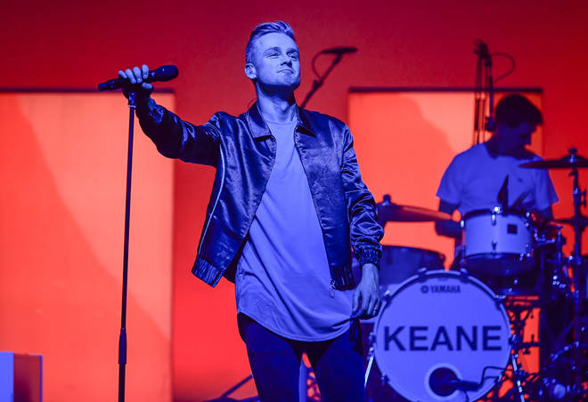 Tom Chaplin performing with Keane in California, March 2020