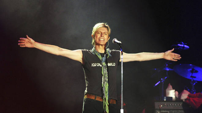 Bowie bids farewell to his British fans at the end of the Isle Of Wight Festival, 13 June 2004