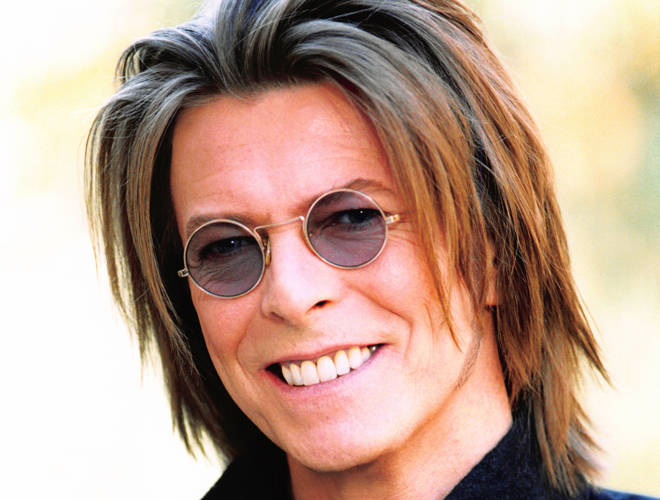 Bowie launches his album hours... in Paris in 1999
