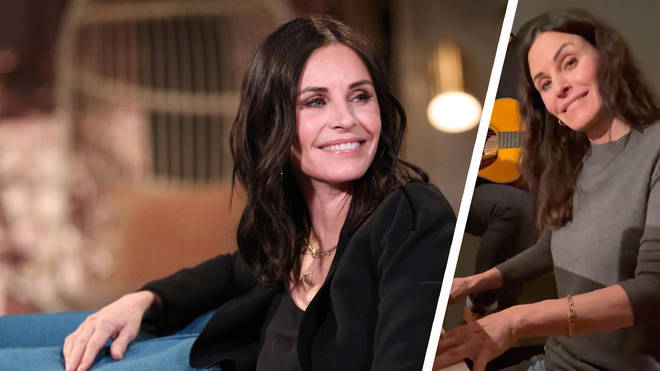 Courtney Cox plays the Friends theme tune on piano