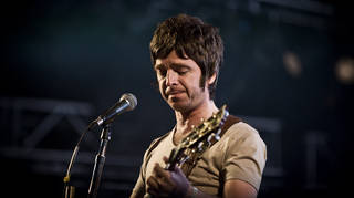 Noel Gallagher from Oasis plays Denmark in 2009