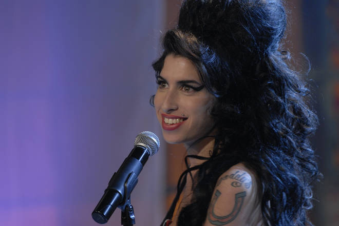 Amy Winehouse on The Tonight Show with Jay Leno in 2007