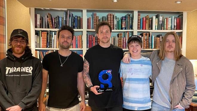 Nothing But Thieves receiving their Global Award for Best Indie