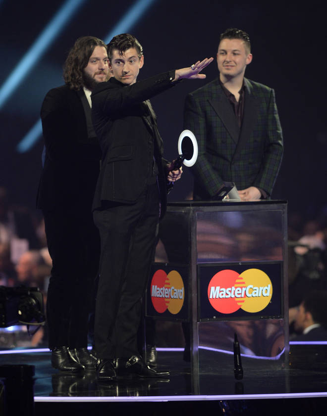 """Alex Turner drops the mic at the end of his 2014 BRIT Awards speech: """"Invoice me if you need to"""""""