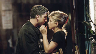 David Schwimmer and Jennifer Aniston star in Friends season 2