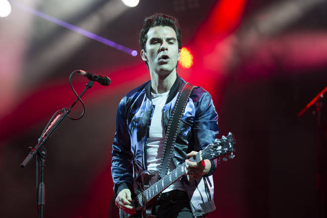 Kelly Jones doing what he does the best - fronting Stereophonics at the isle Of Wight Festival in 2016