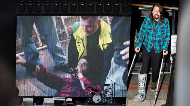 Dave Grohl breaks his leg at a Foo Fighters show in Gothenburg, Sweden, June 2015