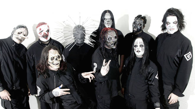 Photo of SLIPKNOT and Chris FEHN and Shawn CRAHAN and Sid WILSON and Craig JONES and Corey TAYLOR and Mick THOMSON and Joey JORDISON and Paul GRAY and James ROOT