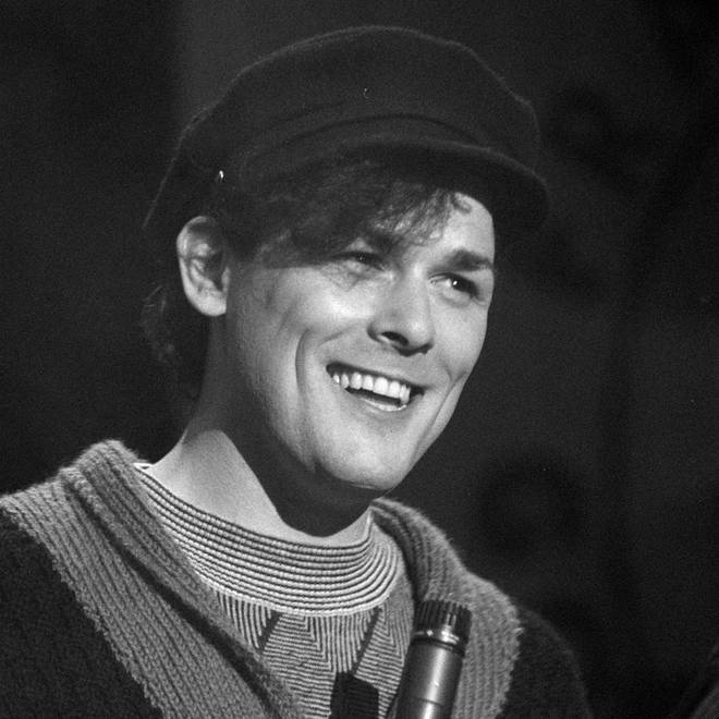Billy Mackenzie performing with The Associates on the TV show The Tube in June 1984