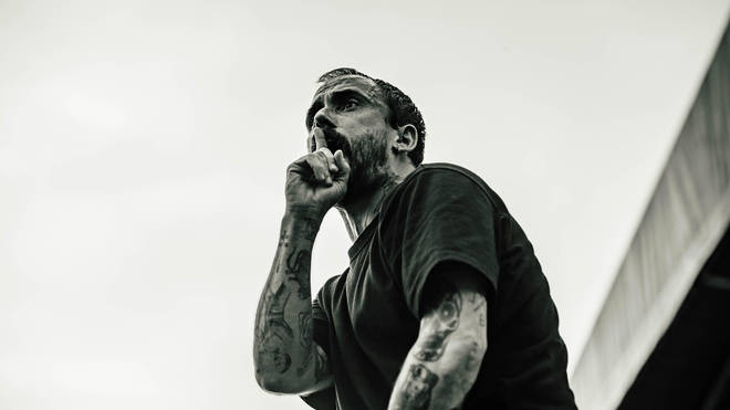 IDLES perform in 2019