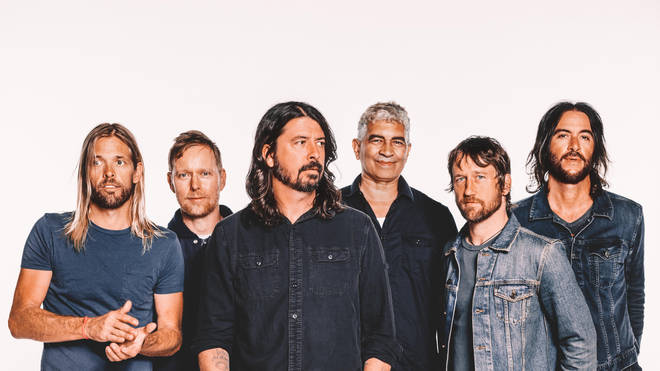 Foo Fighters in 2017: Taylor Hawkins, Nate Mendel, Dave Grohl, Pat Smear, Chris Shiflett and Rami Jaffee.