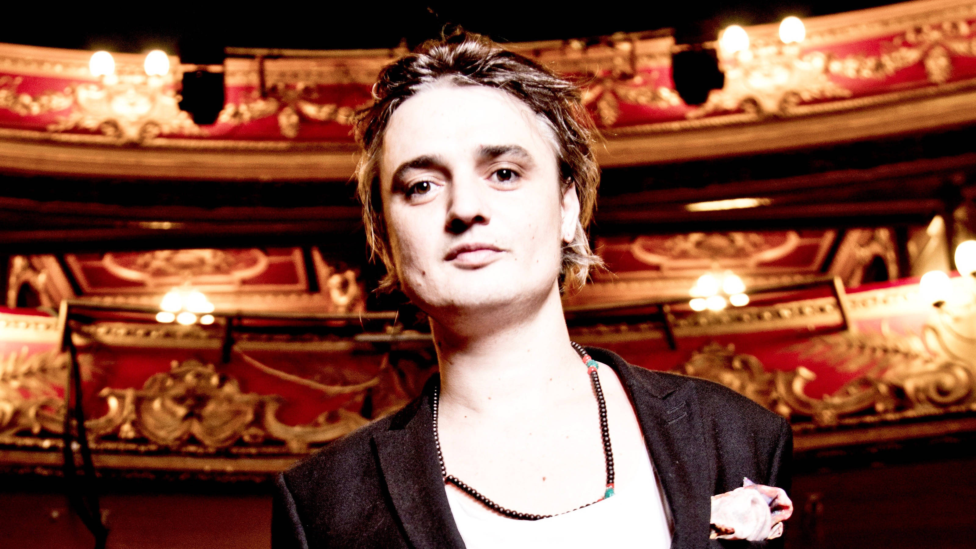 Peter Doherty warns fans scammers are using his name to steal their money and info
