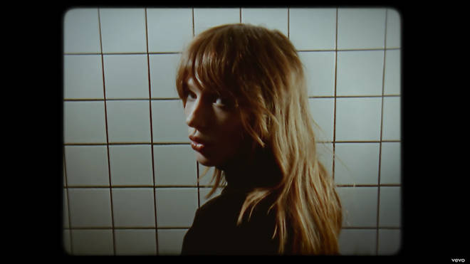 A screengrab of Louise Verneuil in her Nicotine video