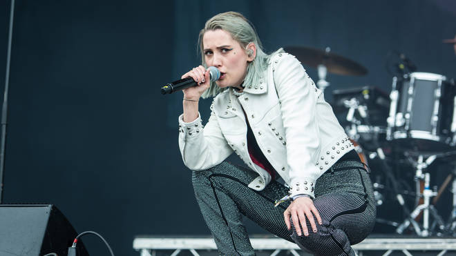 Yonaka live at Neighbourhood Weekender 2019
