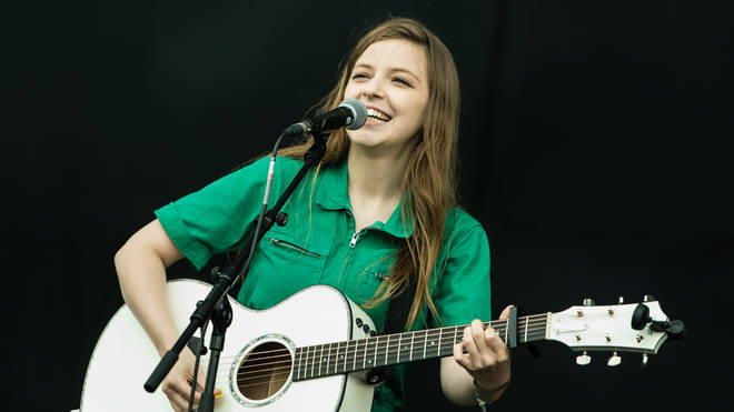 Jade Bird live at Neighbourhood Weekender 2019