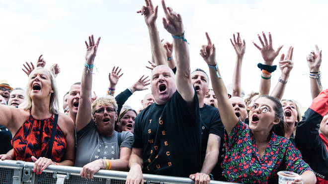 The crowd at Neighbourhood Weekender 2019