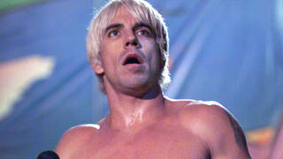 Anthony Kiedis onstage with Red Hot Chili Peppers at Woodstock 1999