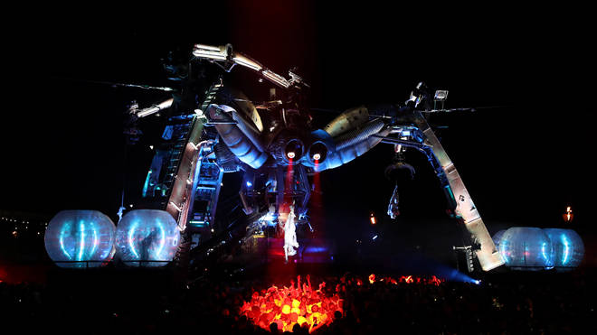 Arcadia Spider, we hardly knew ye. The lad himself at Glastonbury 2016