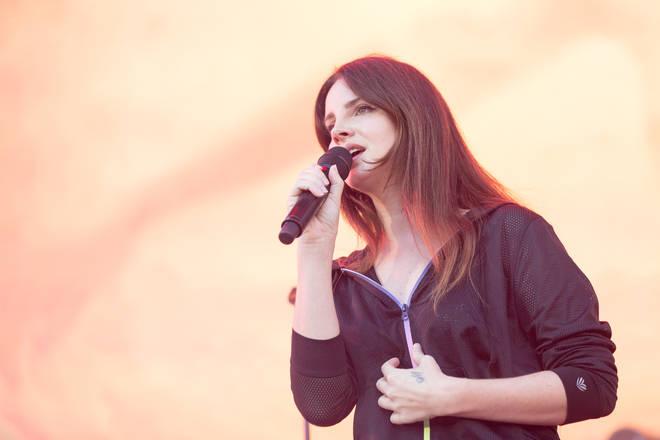 Lana Del Rey live onstage
