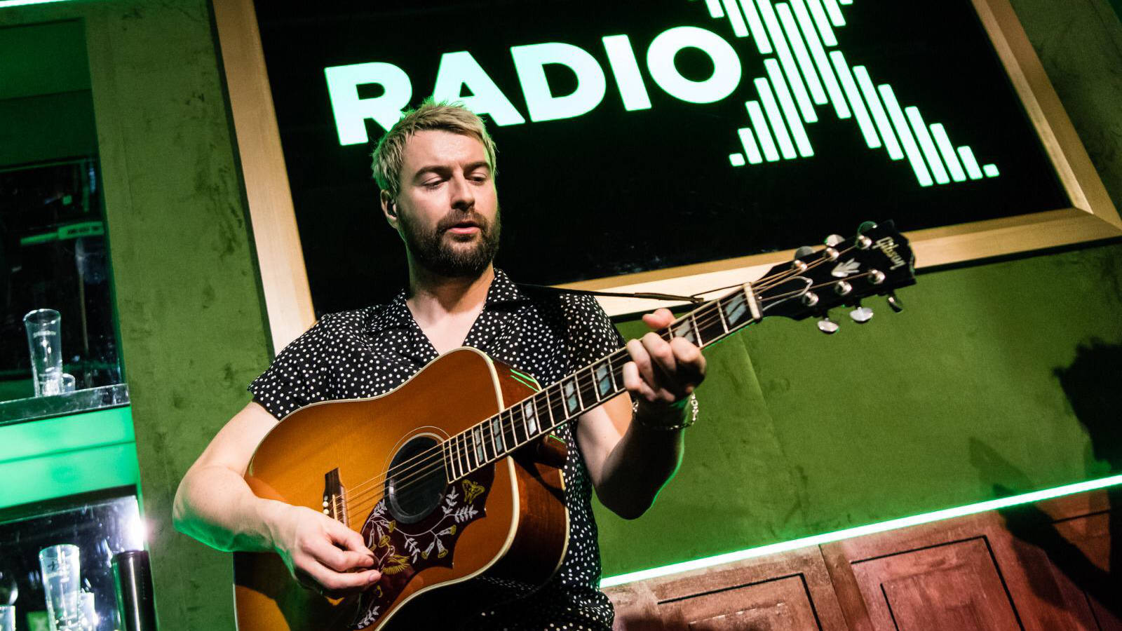 WATCH: Liam Fray mashes up Courteeners' Not Nineteen Forever with a Pulp classic