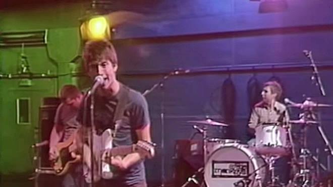 Arctic Monkeys - I Bet You Look Good On The Dancefloor video