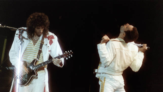 Brian May and Freddie Mercury onstage at Knebworth, 9 August 1986