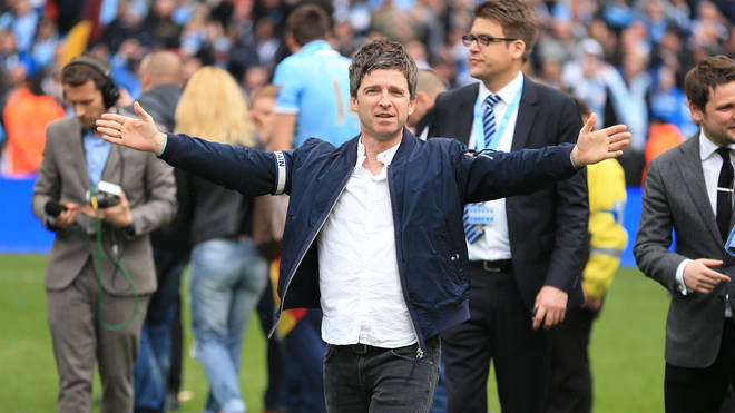 Noel Gallagher celebrates Manchester City win in 2014